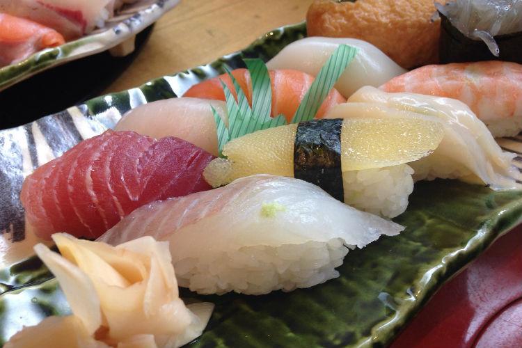 sushi-975075_1280
